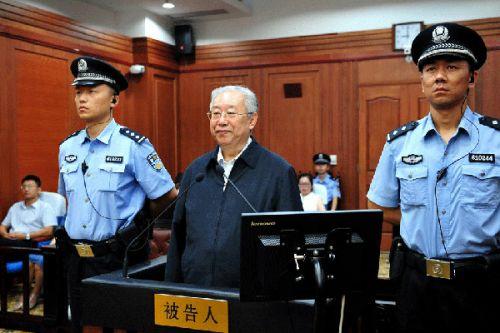 7月13日,被告人陆武成在庭审现场